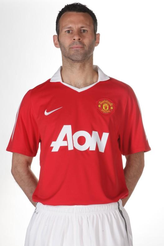 newest 3de15 b1109 Manchester United Kit 2010/2011 | Manchester United Wallpaper